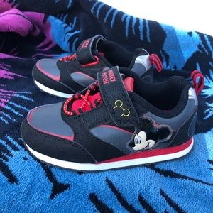 Mickey Mouse Toddlers Size 8 Shoes